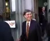 скачать бесплатно Видео 3gp Заехали тортом в лицо Билла Гейтса для мобильного телефона